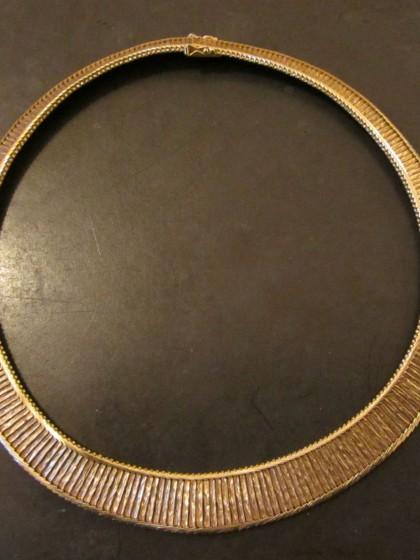A Dragsted halskæde af guld - risom.dk